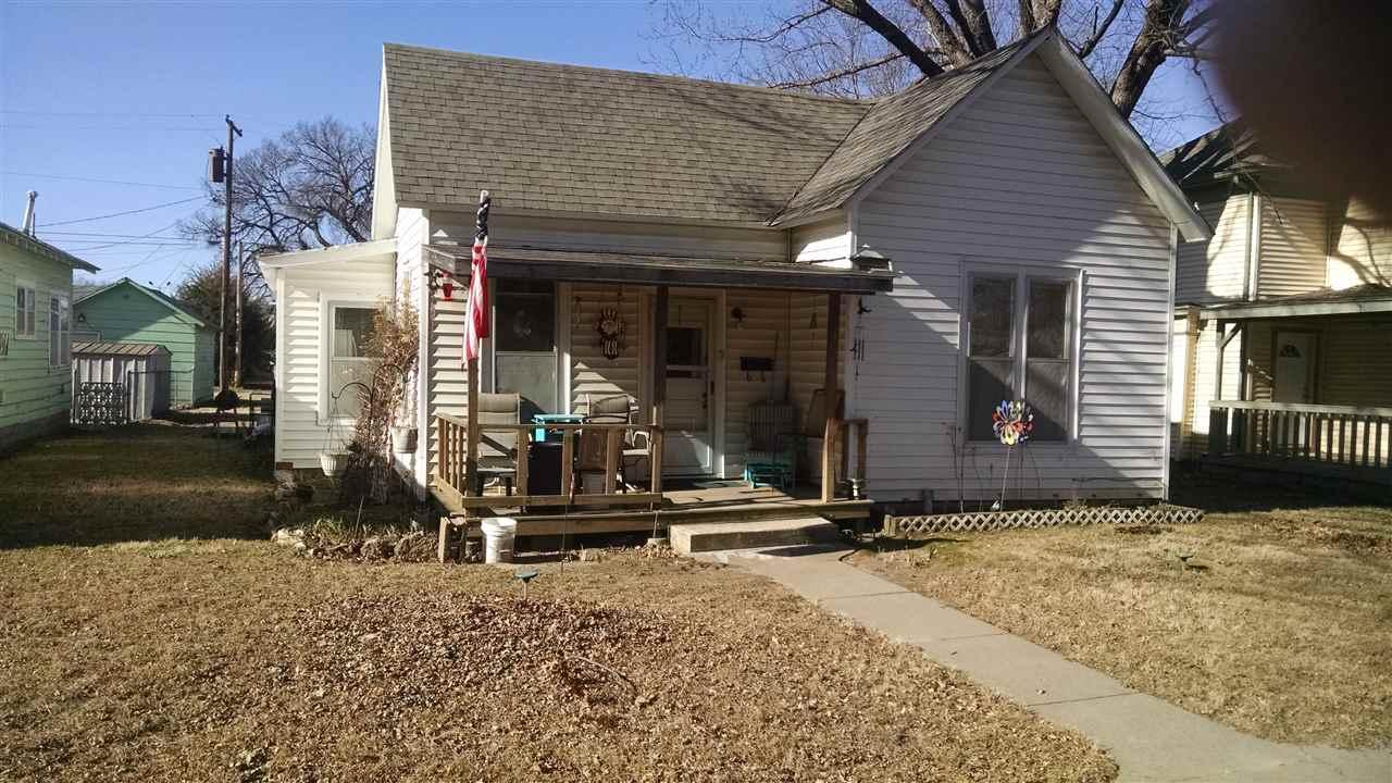 611 N B St, Arkansas City, KS, 67005