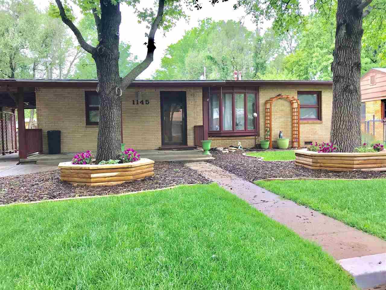 1145 N Lakeview Dr, Derby, KS, 67037