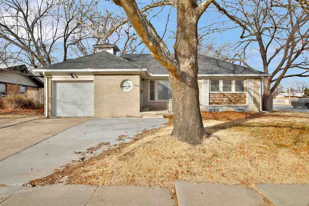 7920 E Lincoln St, Wichita, KS, 67207
