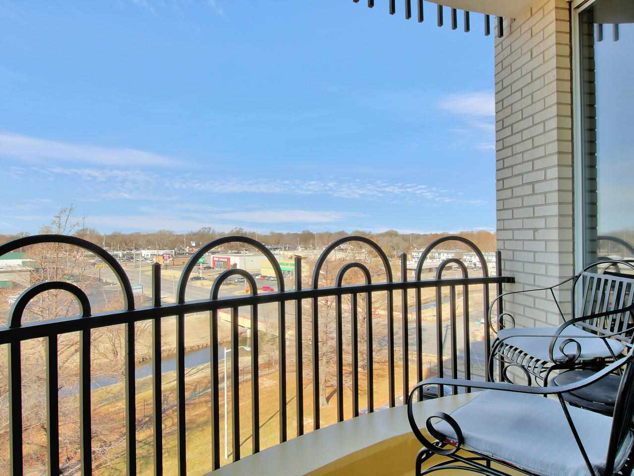 For Sale: 5051 E Lincoln St Apt 6D, Wichita KS