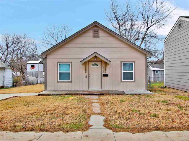 For Sale: 1151 N Dearborn St, Augusta KS