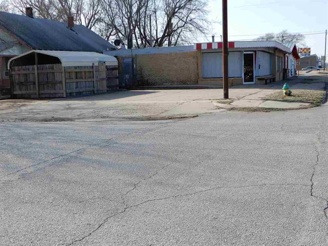 For Sale: 609 W Madison Street, Arkansas City KS