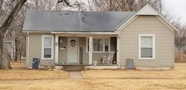 For Sale: 706  CHESTNUT ST, Halstead KS