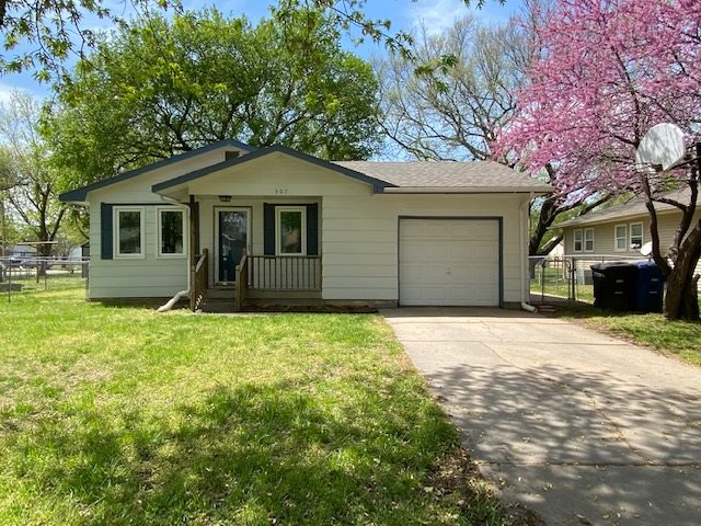 For Sale: 907 N Money Ave, Augusta KS