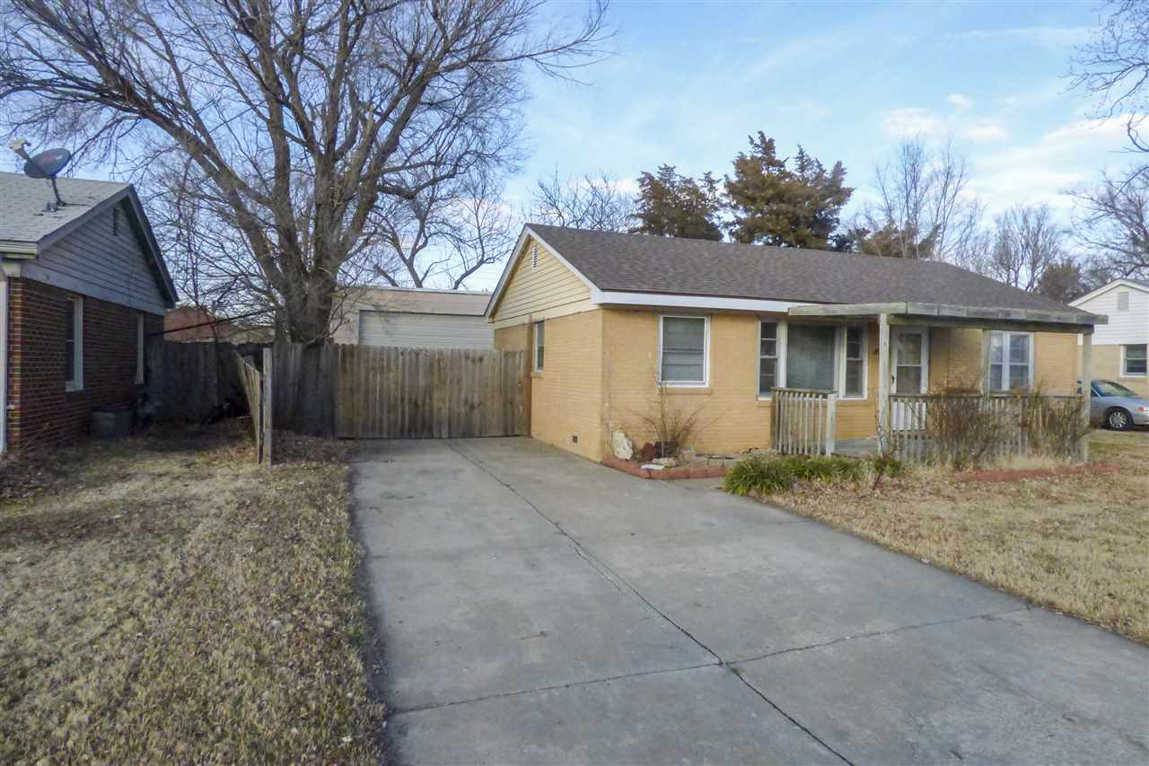 2416 W GREENFIELD St, Wichita, KS, 67217