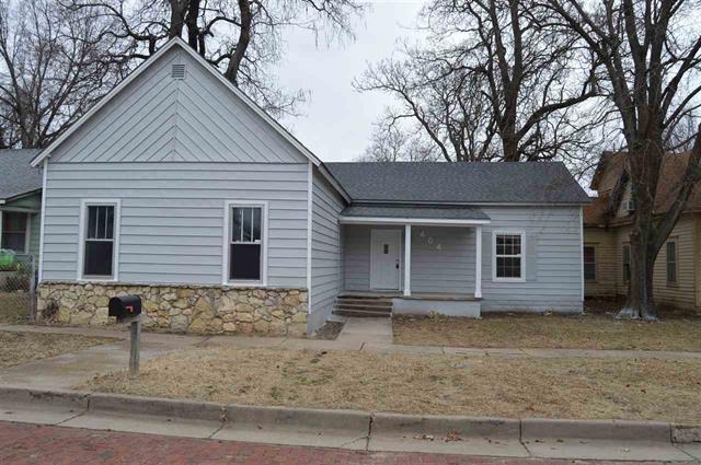 For Sale: 404 N 5th St, Arkansas City KS