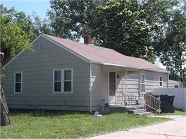 For Sale: 2708 N Waldron St, Hutchinson KS