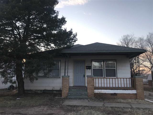 For Sale: 1721 N CHAUTAUQUA AVE, Wichita KS