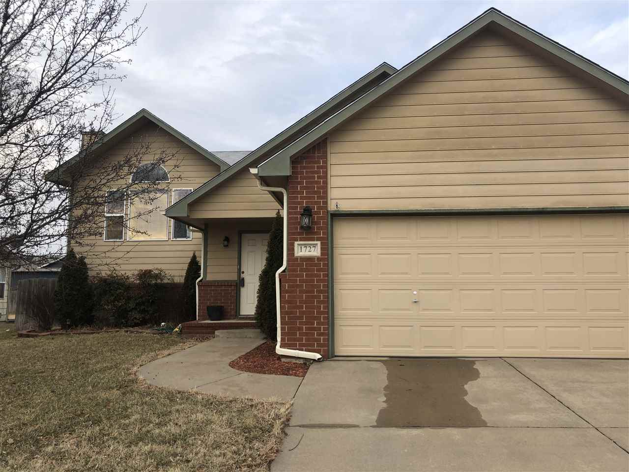 UPDATE!!! **REDUCED AND SELLER IS OFFERING A $3000 FLOORING CREDIT!!!!!!** This spacious 5 bedroom,