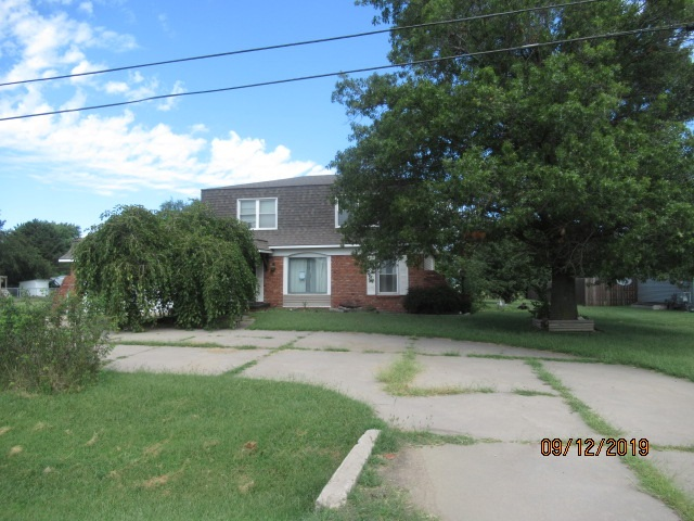 1102 W 30th Ave, Hutchinson, KS, 67502