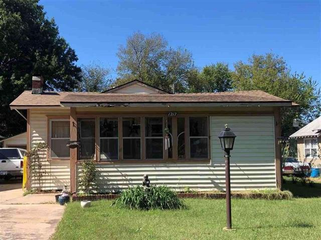 For Sale: 1217 N 4th St, Arkansas City KS