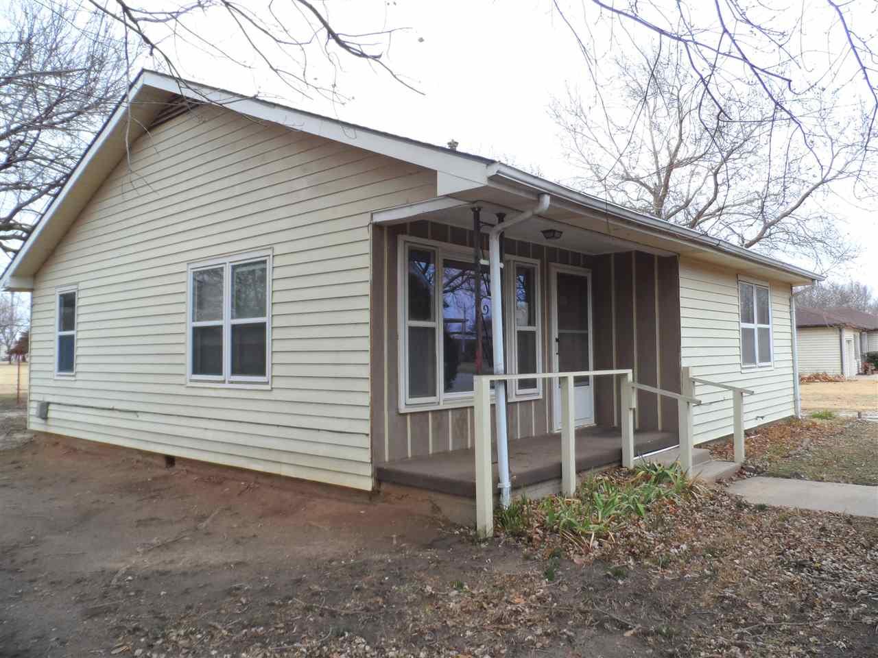 324 W 8th St, Harper, KS, 67058