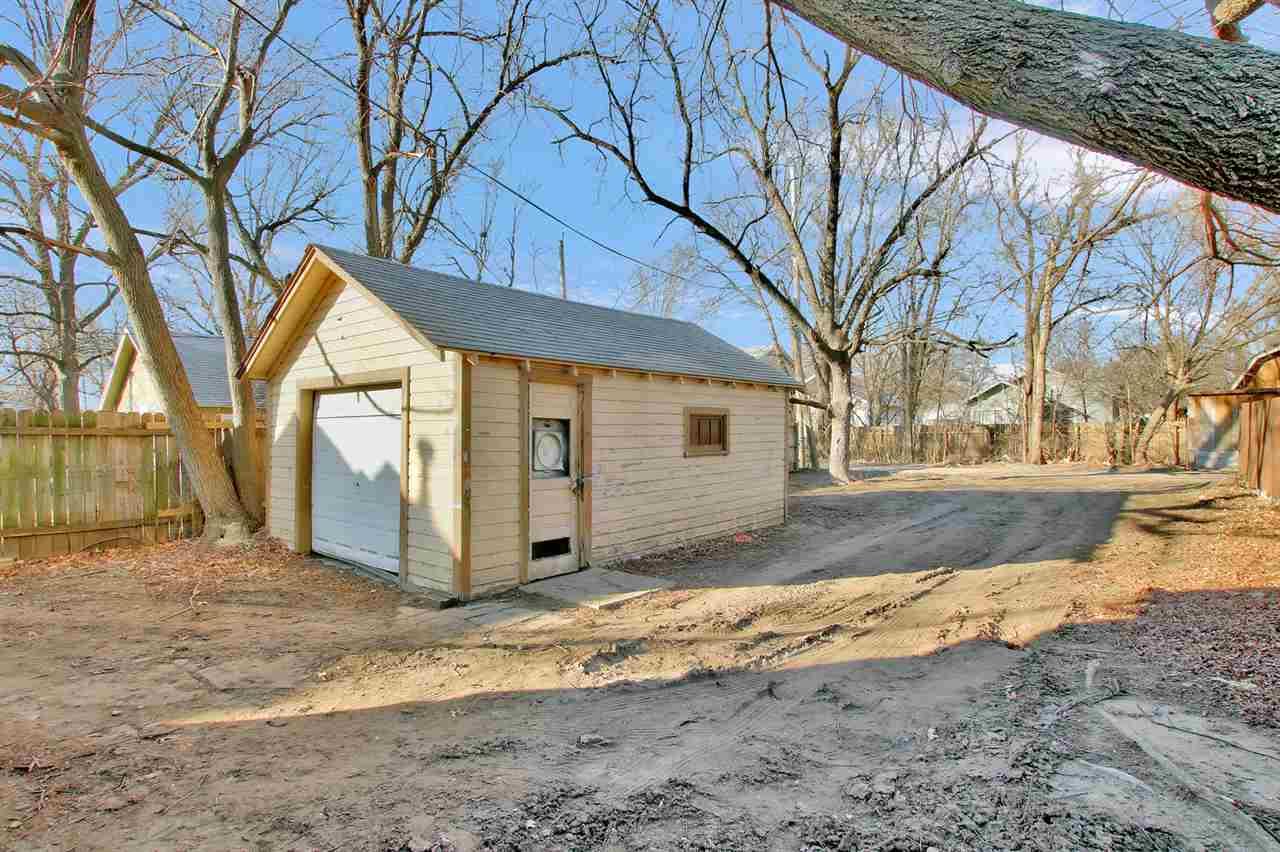 For Sale: 1507 S Hydraulic St, Wichita KS