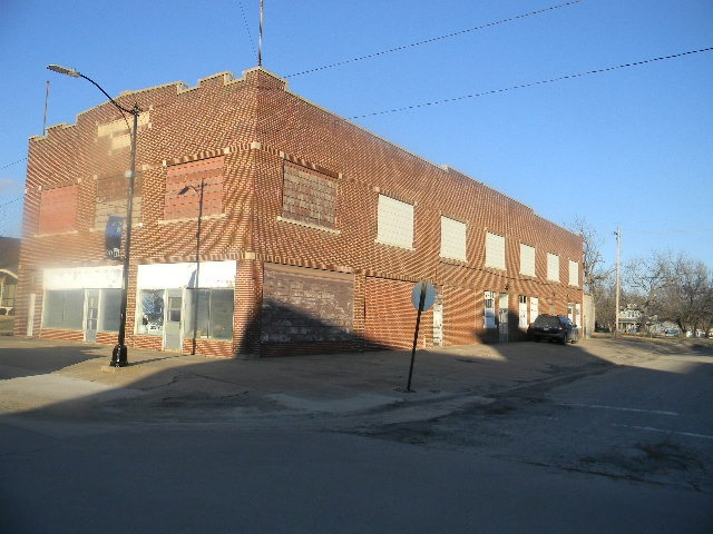 For Sale: 600 N Main, Eureka KS