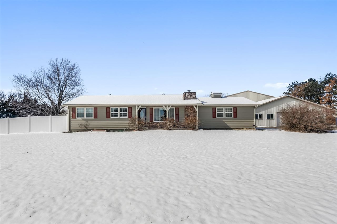 3179 SW FARMSTEAD RD, Benton, KS 67017