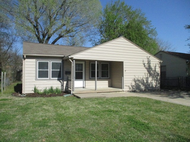 Move-in ready condition!  Fresh coat of exterior and interior paint.  New brushed nickel light fixtu