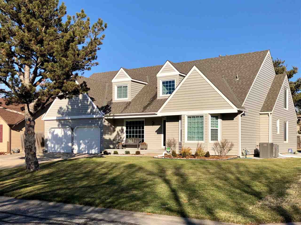 OPEN HOUSE 2/23 2-4 PM.  Beautiful almost 4,000 sqft 5-bed, 4-bath home located on a cul-de-sac stre