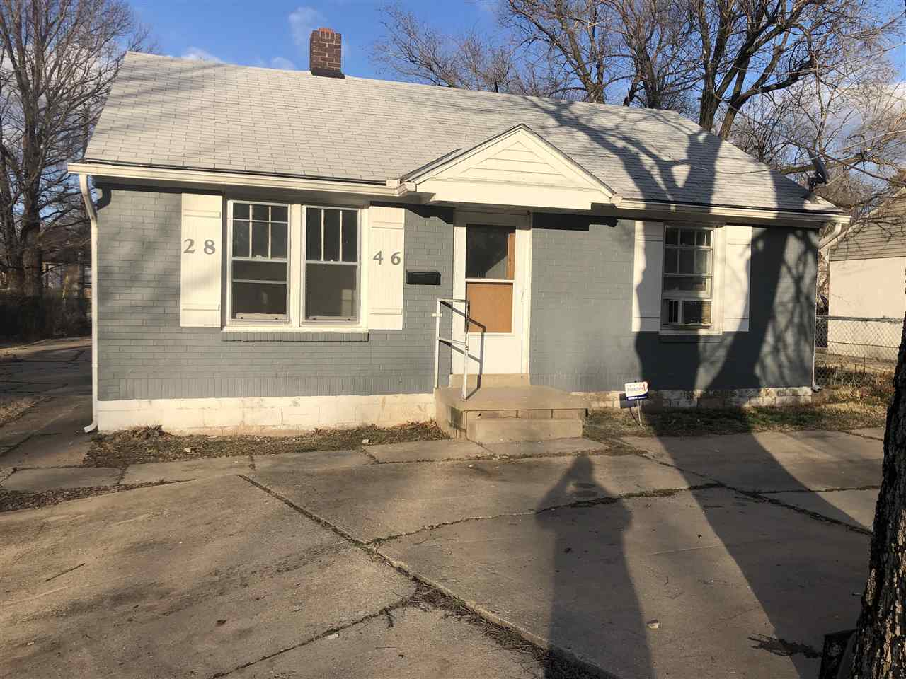 Beautiful two-bedroom one-bathroom property located near WSU. Recently renovated with laminate hardw