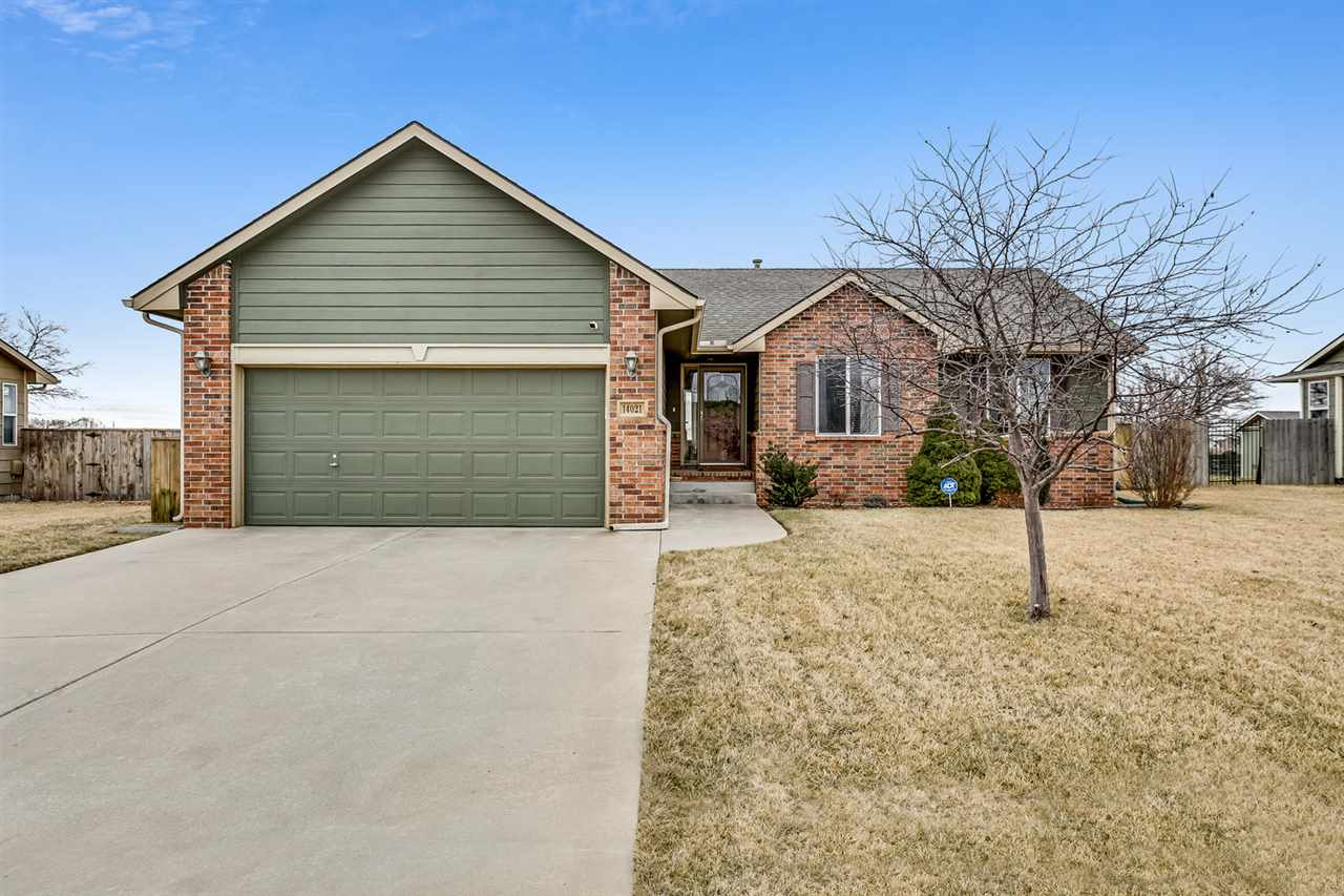It doesn't get much better than this! Enjoy this very well-maintained home in Silverton featuring 4