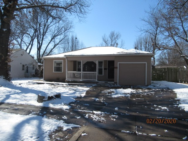 3 bedroom, 2 bath home. Lots of square footage in this one. Popular southeast neighborhood close to