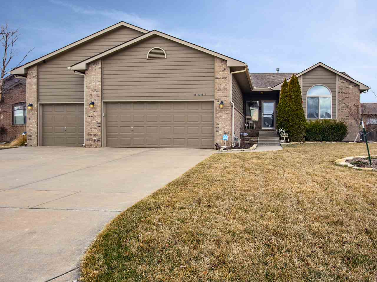 Beautiful home in the Maize South school district.  Move in ready and waiting for you.  This lovely