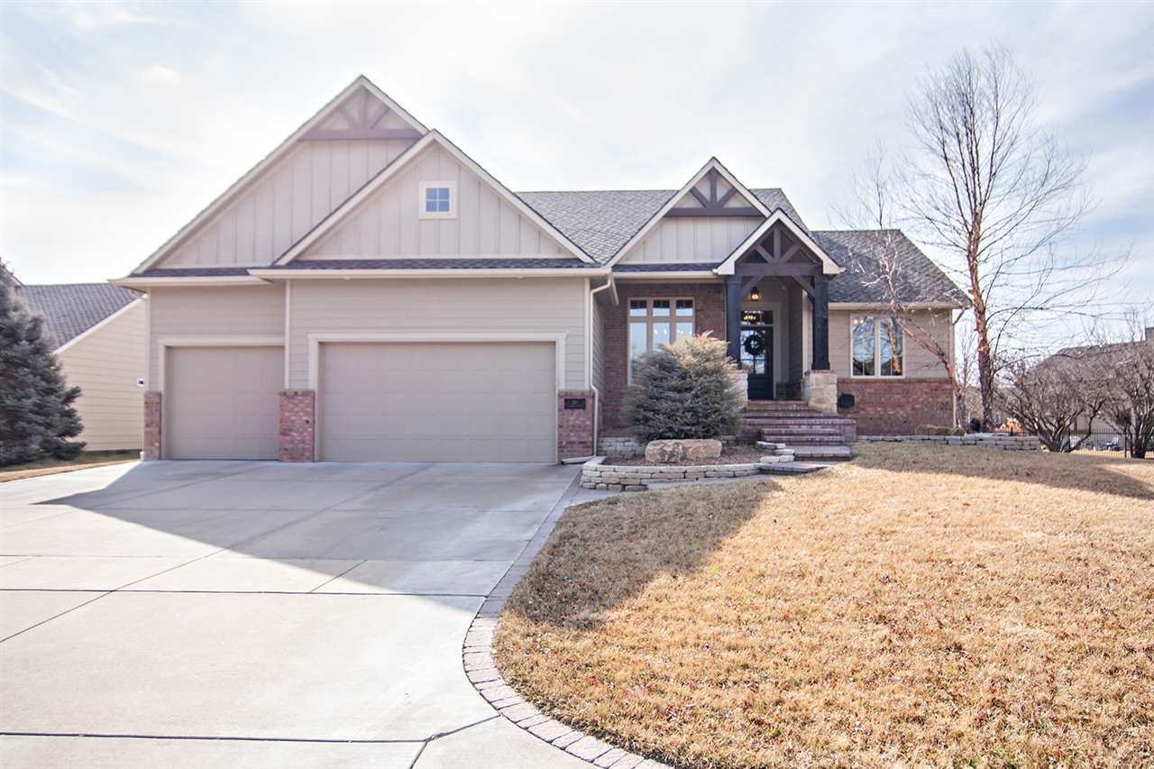 Welcome home! This custom, Craig Pate built, 5 bedroom, 3 bathroom home is ready for you! As you dri