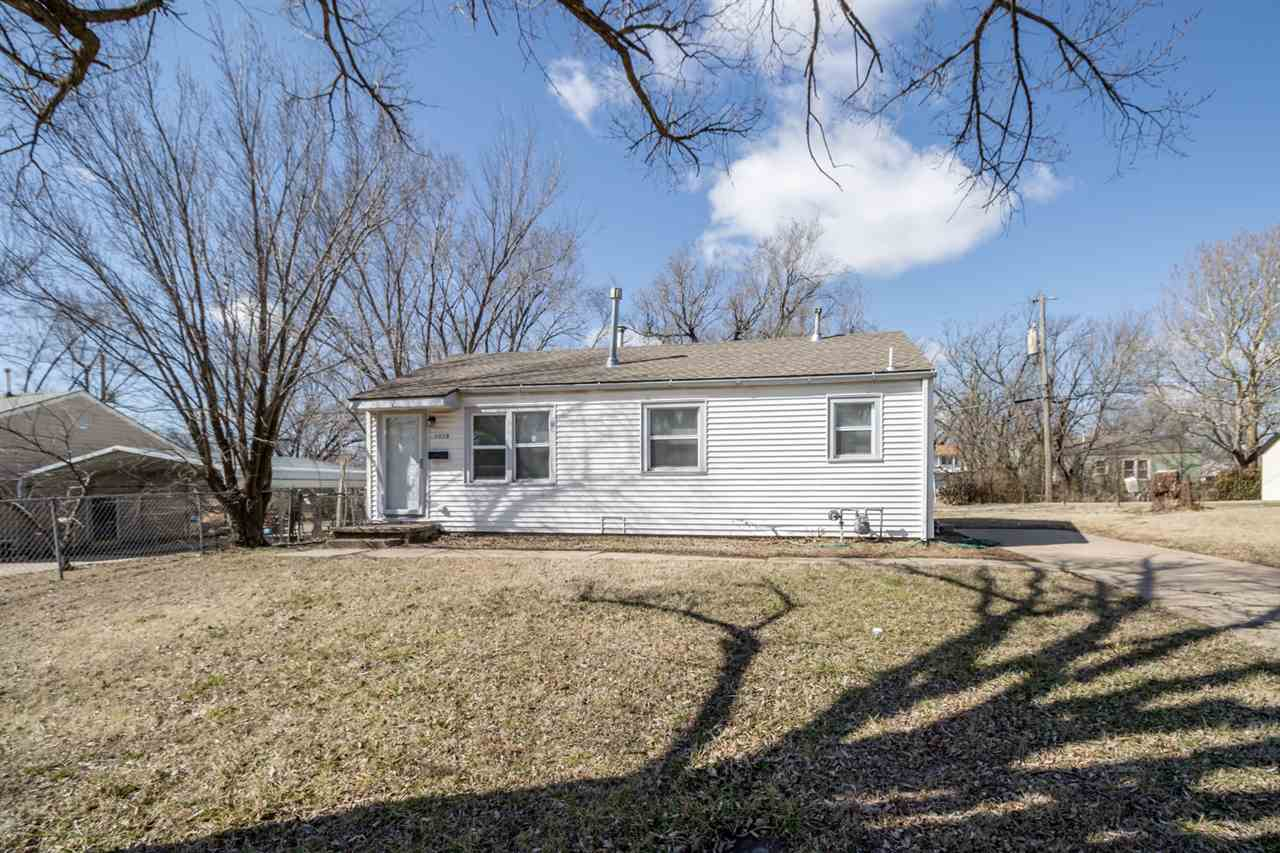 GREAT OPPORTUNITY! Perfect for first time homebuyers or the ideal property to add to a rental portfo