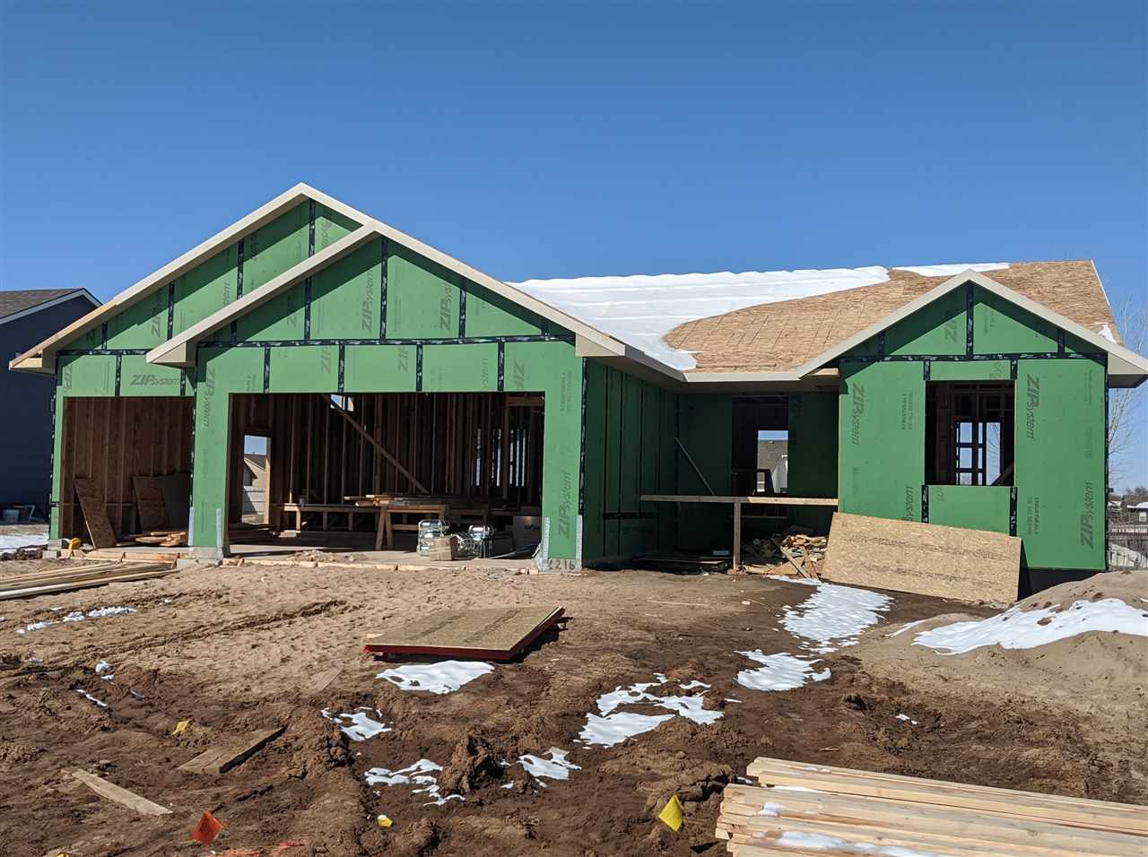 Very Popular Extended Morgan A Mid Level Landing Plan.  3 bedrooms, 3 baths, with room to finish 4th and 5th bedrooms and a Rec/Family Room in the basement. Low Specials :)