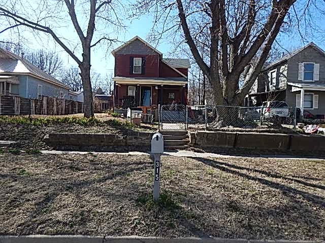 For Sale: 315 S D St, Arkansas City KS