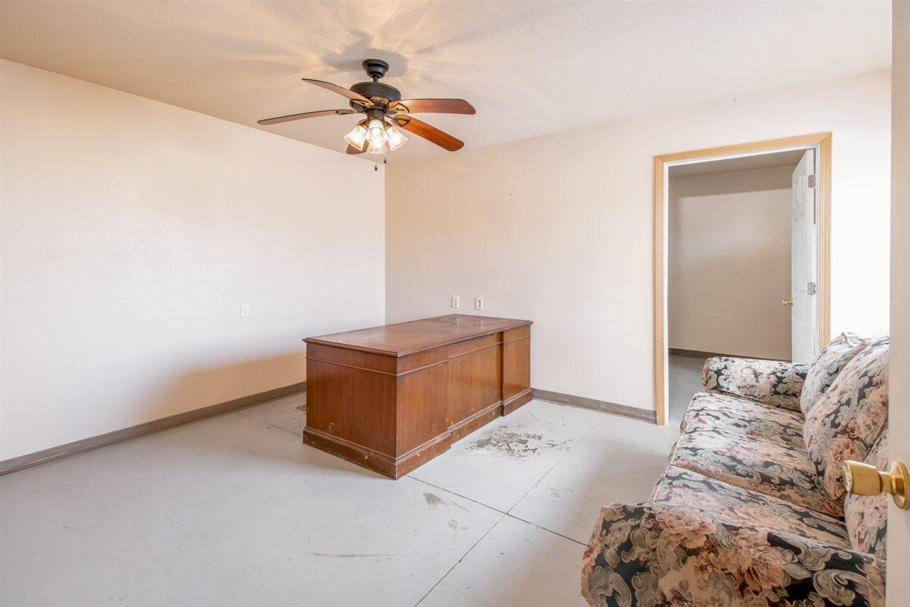 For Sale: 31 SE 100th St, Leon KS