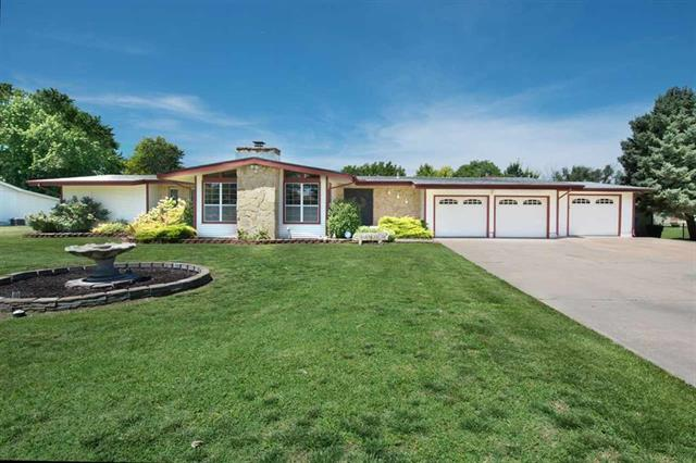 For Sale: 2915  Lakeshore Dr, Augusta KS