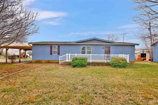 For Sale: 911 E Kelly Ave, Augusta KS
