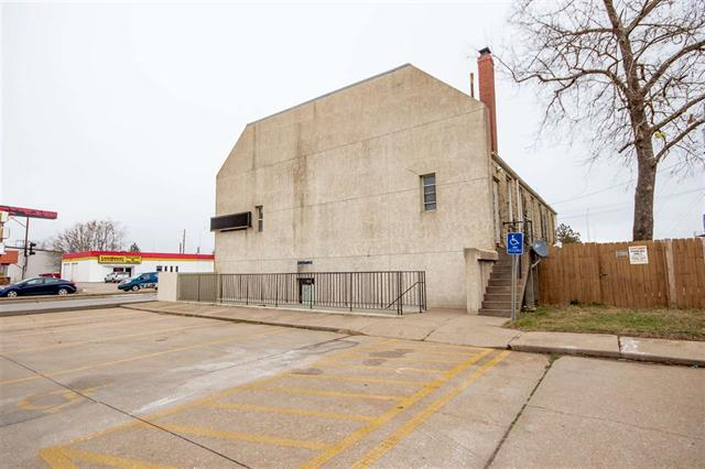 For Sale: 452 N Hydraulic St, Wichita KS