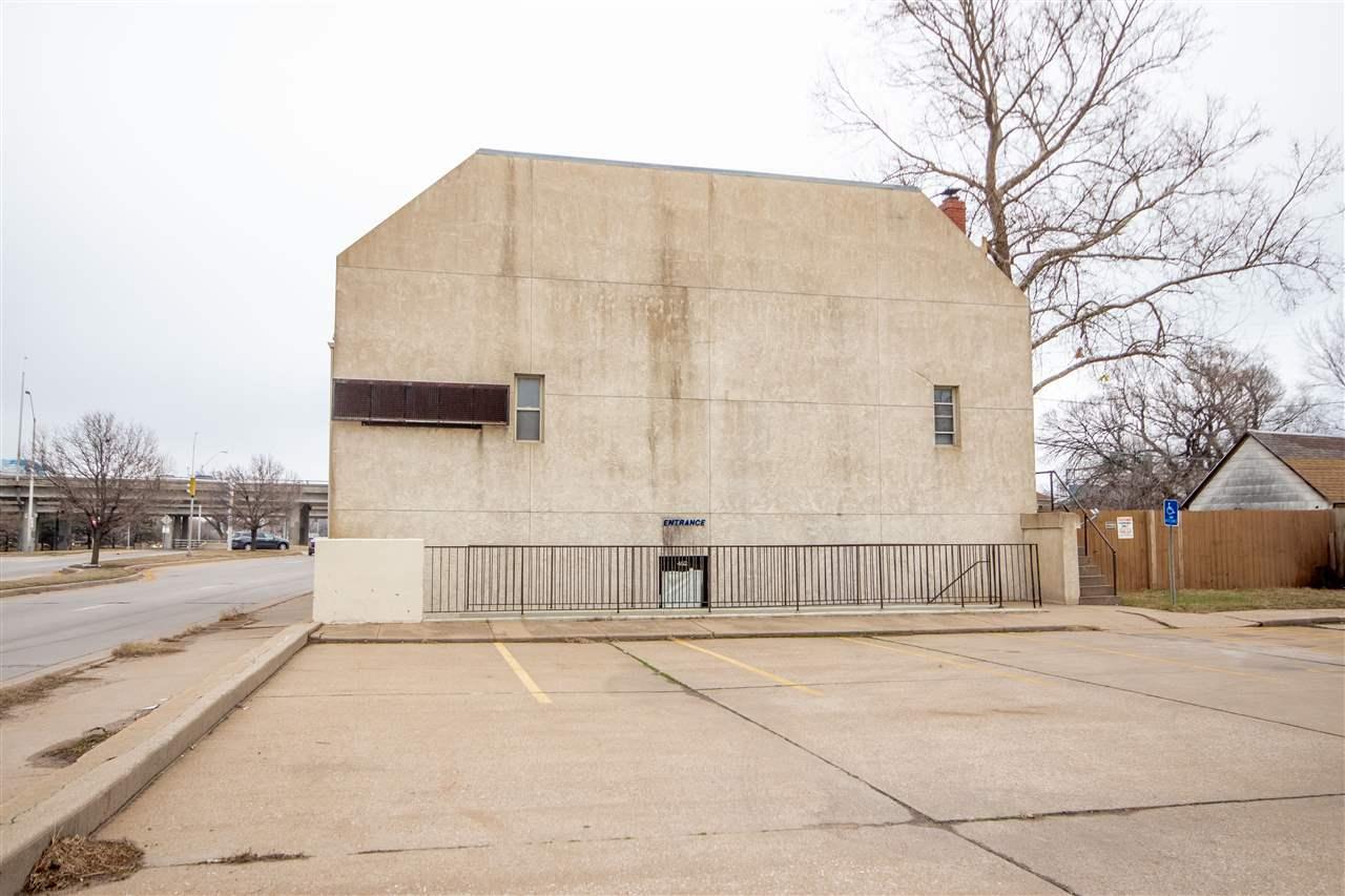 For Sale: 452 N Hydraulic St, Wichita KS