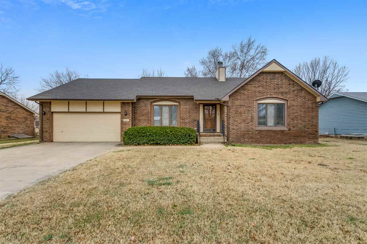 Welcome home in Clearwater! This well-built, brick ranch offers tons of living space! With almost 3,