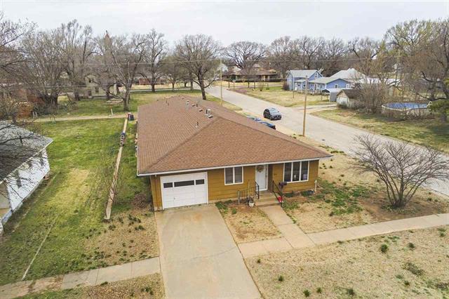 For Sale: 318 E Spring St, Anthony KS