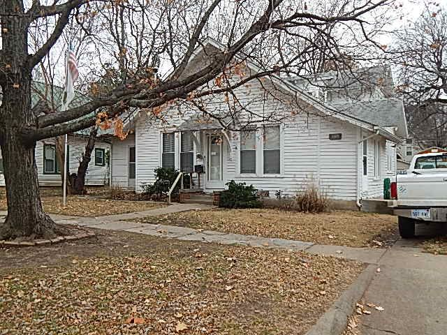 For Sale: 1205 E 8th Ave, Winfield KS