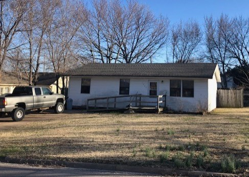 For Sale: 1723  SIMPSON AVE, Winfield KS