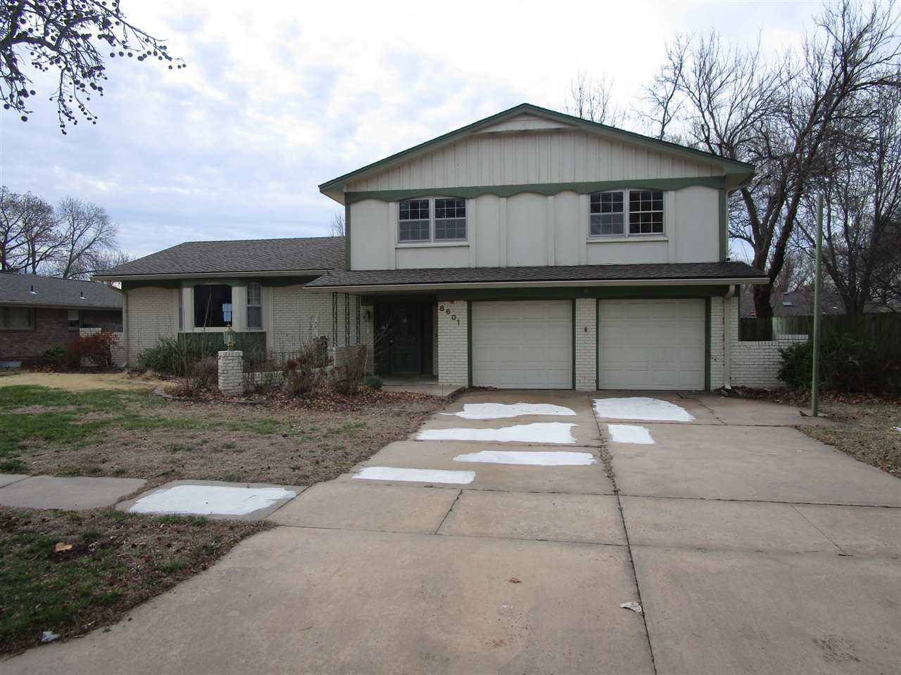 8601 E Tamarac St, Wichita, KS, 67206