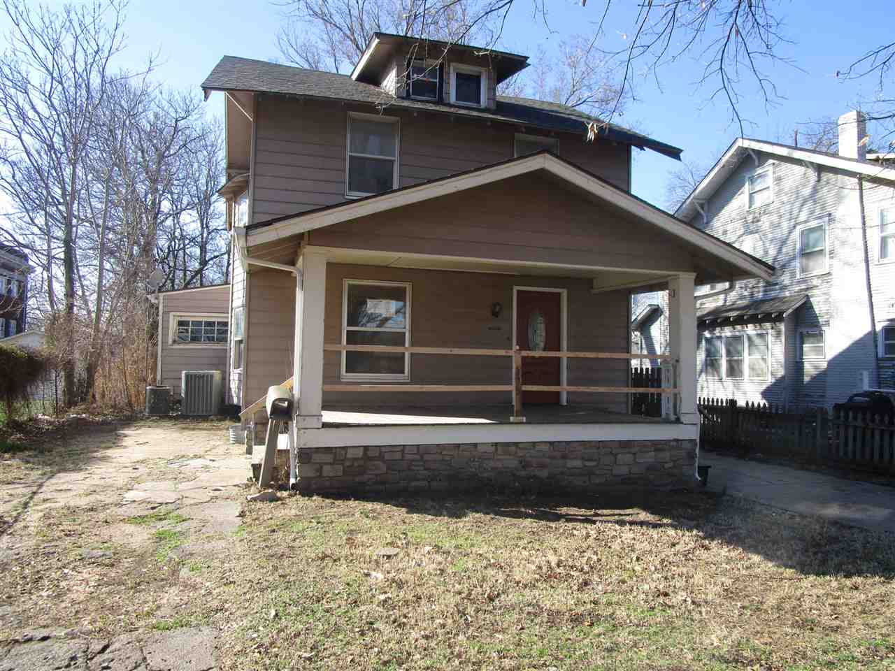 **FHA $100 Down Program Available For Eligible Buyers** Awesome two story located in Wichita featuri