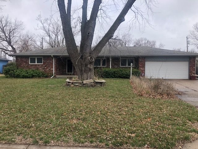 NICE ALL BRICK HOME IN MUCH SOUGHT AFTER AREA.  THIS HOME HAS LOTS AND LOTS OF SPACE FEATURING A MAIN FLOOR FAMILY ROOM WITH FIREPLACE AN EAT-IN KITCHEN, MAIN FLOOR LAUNDRY AND A FINISHED BASEMENT WITH LARGE FAMILY ROOM WITH WET BAR, OFFICE AND 1/2 BATH.  HOME IS ON A NICE SIZED LOT THAT HAS AN INGROUND POOL BUT DOES NEED A NEW LINER (SELLER NOT ABLE TO FIX) AND A WELL WITH SPRINKLER SYSTEM.