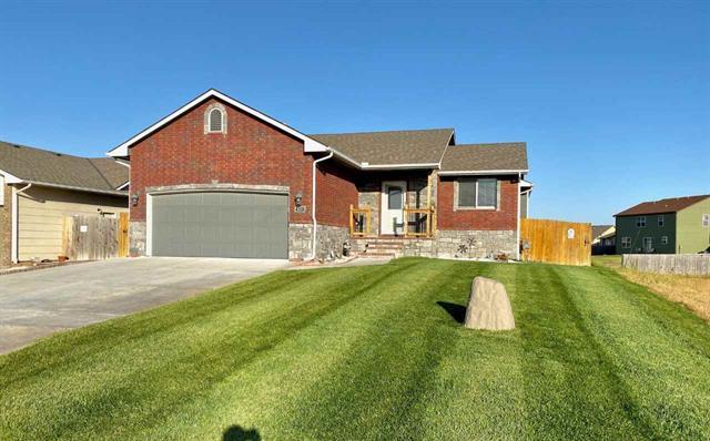 For Sale: 4506 S Custer Cir, Wichita KS