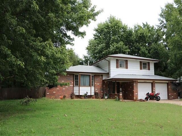 Completely updated  home on a creek lot in Derby. 3 bedrooms, a bonus room and 3 bathrooms. Loads of