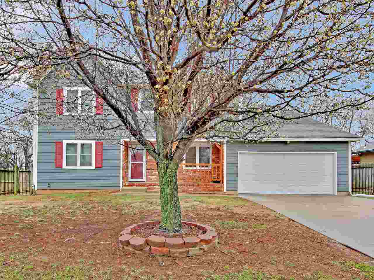 Dont miss out on this great home, within walking distance to Derby High school, Rock River Rapids or