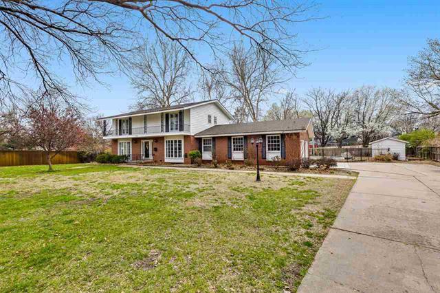 For Sale: 7221 E Cresthill Ct, Wichita KS