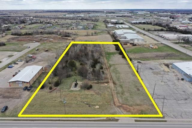 For Sale: 000 W CENTRAL AVE, El Dorado KS
