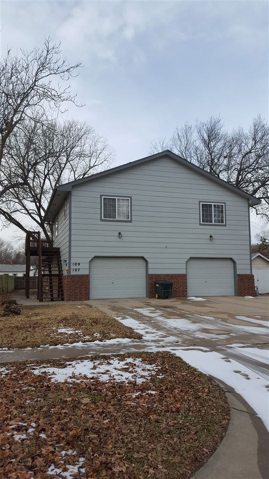 Investment property for sale - Fully occupied duplex close to Meridian and Douglas!  Two story duple