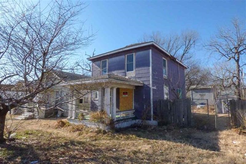 Fixer upper located on Broadway. This property features three bedrooms and one full bathroom.