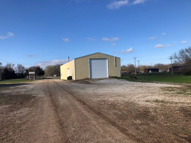 For Sale: 600 W MAIN ST, Oxford KS