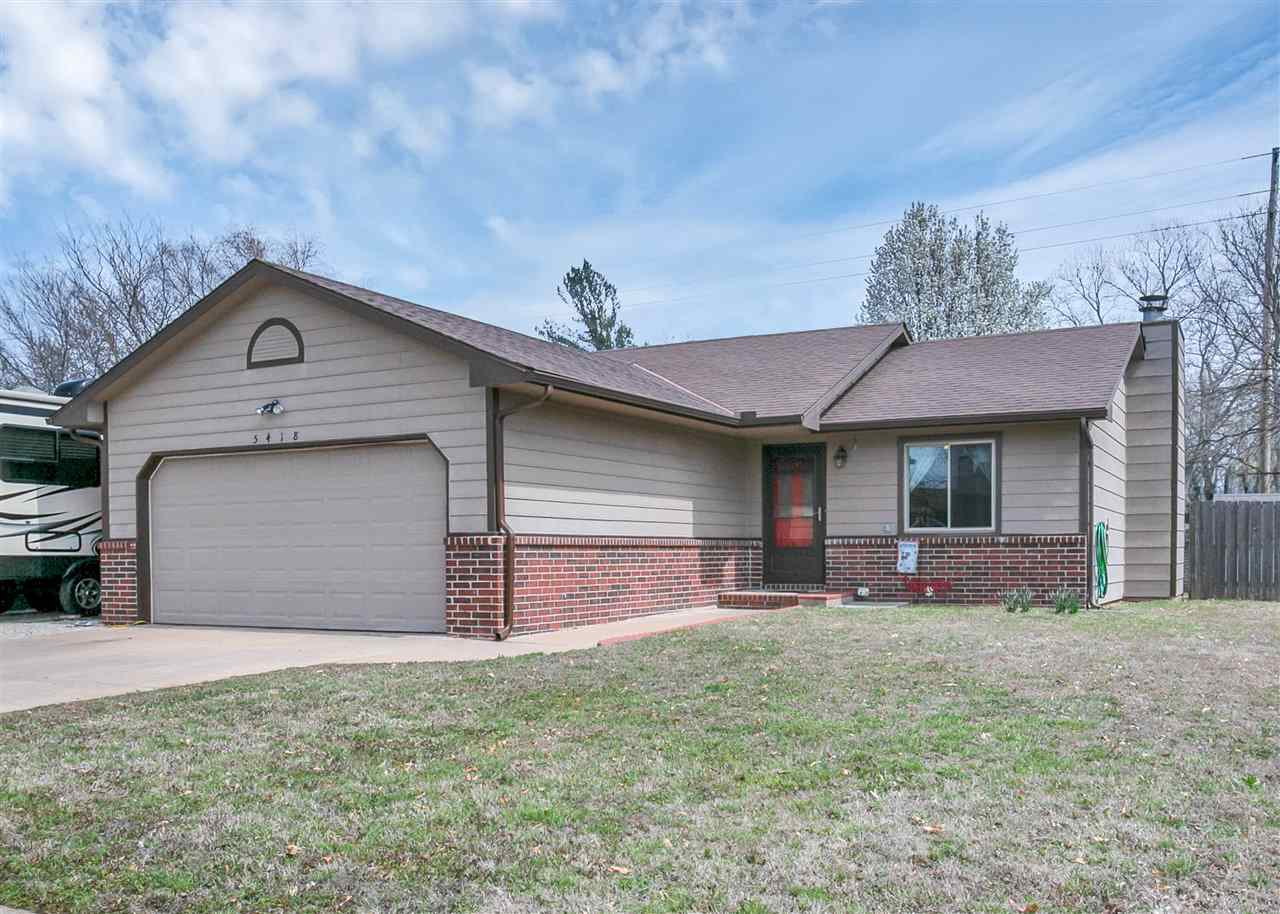 Clean home in a hard to find price range.  This 3 bedroom 2 bath home features vaulted ceilings, hol